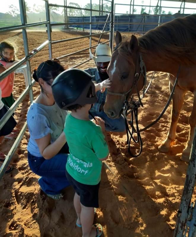 Crianças têm aula grátis de Rédeas em eventos da ANCR 4