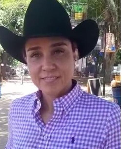 Mônica Ribeiro, genuinamente uma cowgirl completa