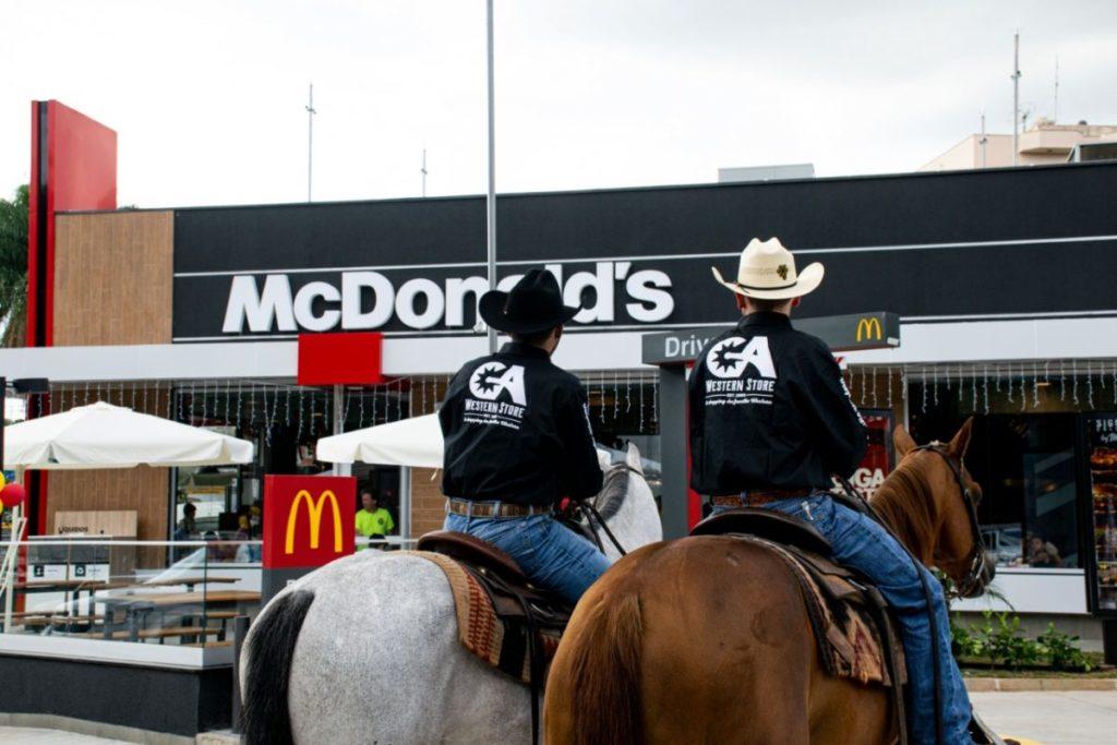 Horse-thru fez parte de um ação de marketing da GA Western Store