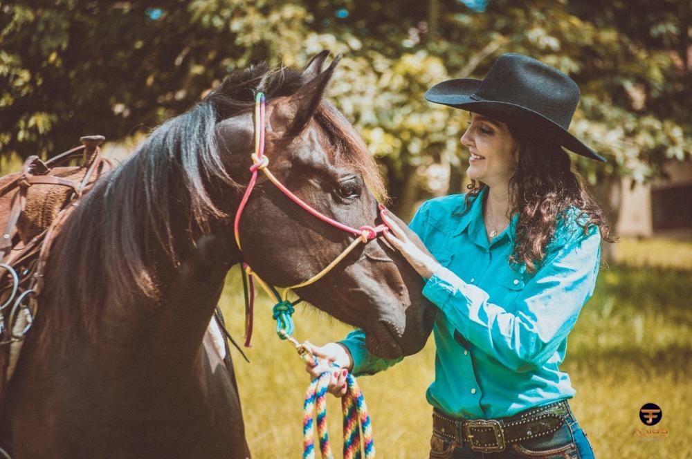 Lili Gontijo conta sua vida com os cavalos e o Laço
