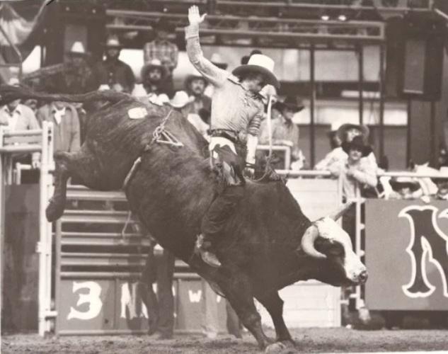 Butch Kirby é campeão mundial em Montaria em Touros pela PRCA Em 2020, Butch Kirby, que levou seu título em 1978, entrou para o ProRodeo Hall of Fame