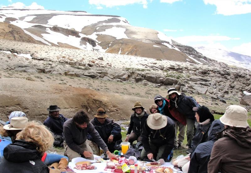 Expedição nos Andes – cavalgando na neve Paulo Junqueira nos conta sobre essa viagem espetacular que ele fez na neve pelos Andes