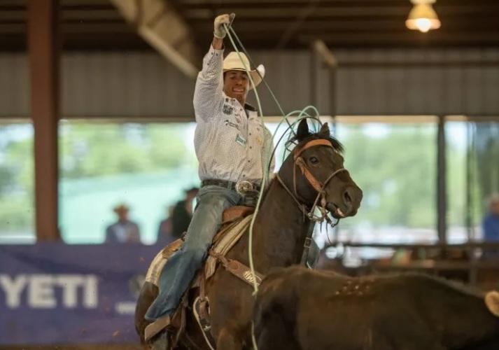 Junior Nogueira tem vitória no 3S Services Open Showdown Prova de laço aconteceu em Perrin, Texas, e a premiação para ele e sua dupla foi de US$ 35 mil
