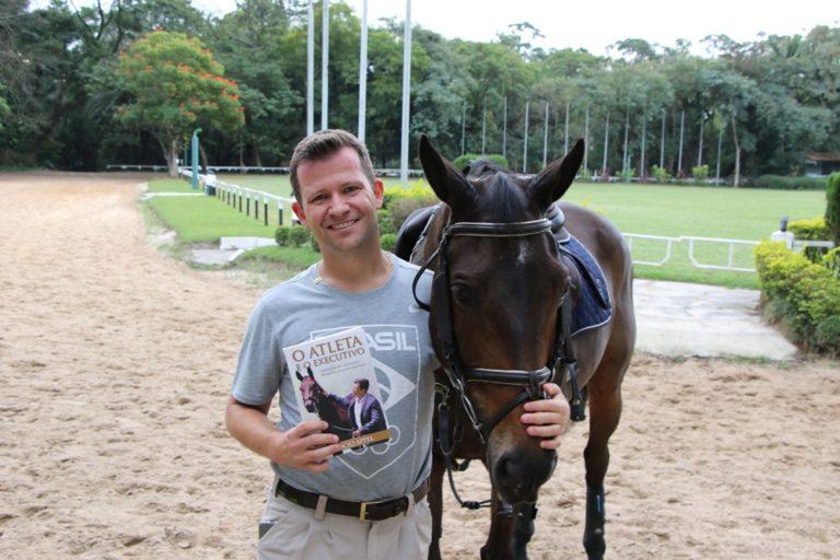 Hipismo: Marcio Appel lança 'O Atleta e o Executivo' O livro do atleta olímpico de CEE trata, sobretudo, de uma história real sobre as lições do esporte e do mundo corporativo