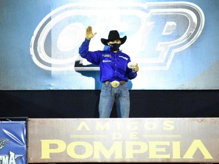 João Ricardo Vieira vence no Brasil em etapa do CRP Ídolo brasileiro no mundo todo, ele está no Brasil e foi o grande campeão da Live Burguesa CRP 'Amigos de Pompeia'