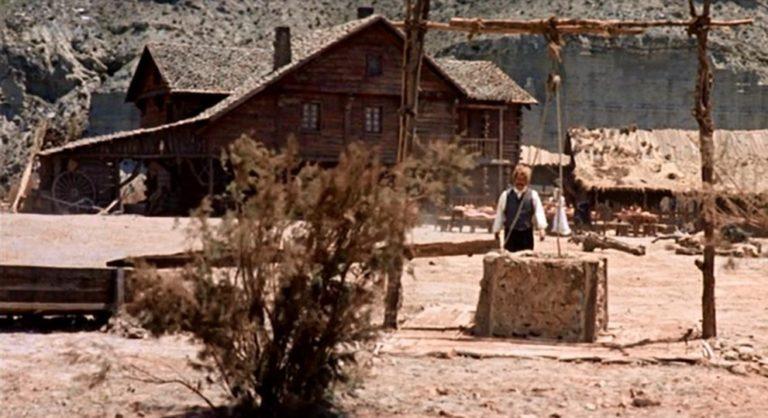 Se você está em busca intrigas e foras da lei assista Once Upon a Time in the West, um filme italiano de 1968, um épico de Spaghetti Western