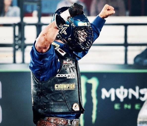 Chamado de The Ice Man Kaique Pacheco alcançou sua primeira vitória na temporada ao participar da etapa da PBR em Guthrie, Oklahoma