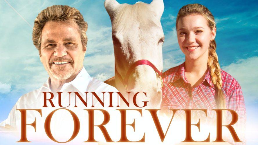 No filme Running Forever, uma adolescente que perdeu a mãe no 11 de setembro se une a um belo cavalo também traumatizdo no rancho de seu pai