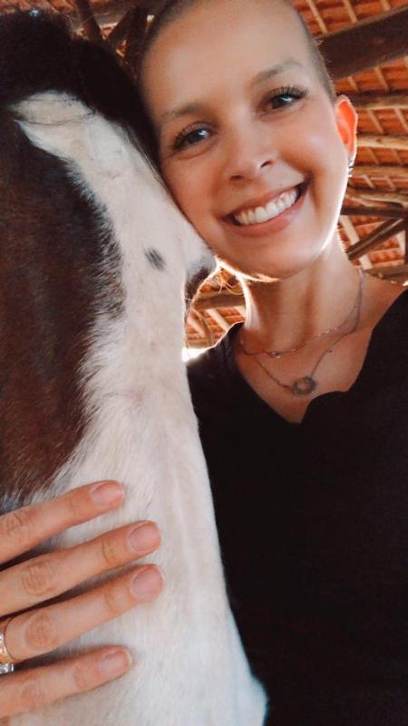 Outubro Rosa: Apaixonada pela Rédeas, competidora e criadora, Manu enfrentou a batalha do Câncer de Mama e conta pra gente essa trajetória