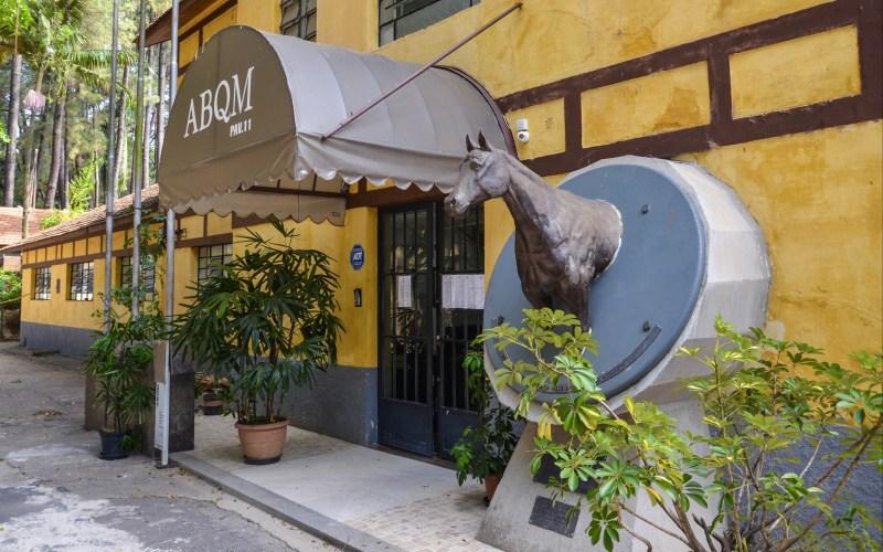 ABQM deixou o prédio ocupado pela associação há mais de 40 anos; local é um marco da chegada e do desenvolvimento do Quarto de Milha