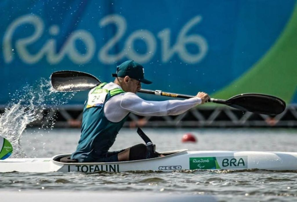 Em sua trajetória no esporte, o agora atleta olímpico de paracanoagem Igor Tofalini, ex-peão, competiu nos Jogos Paralímpicos Rio-2016