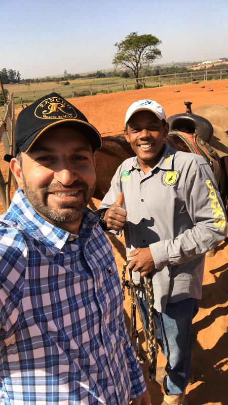 """Cortador de cana quando menino, Paulo Sérgio da Silva chegou a São Paulo há cerca de 20 anos e conta: """"o cavalo mudou a minha vida"""""""