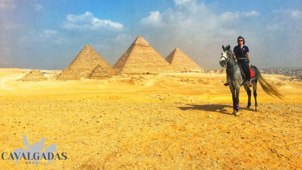 Paulo Junqueira conta em sua coluna sobre a relação do cavalo Árabe com a história do Egito; mais um relato de experiência em viagem a cavalo