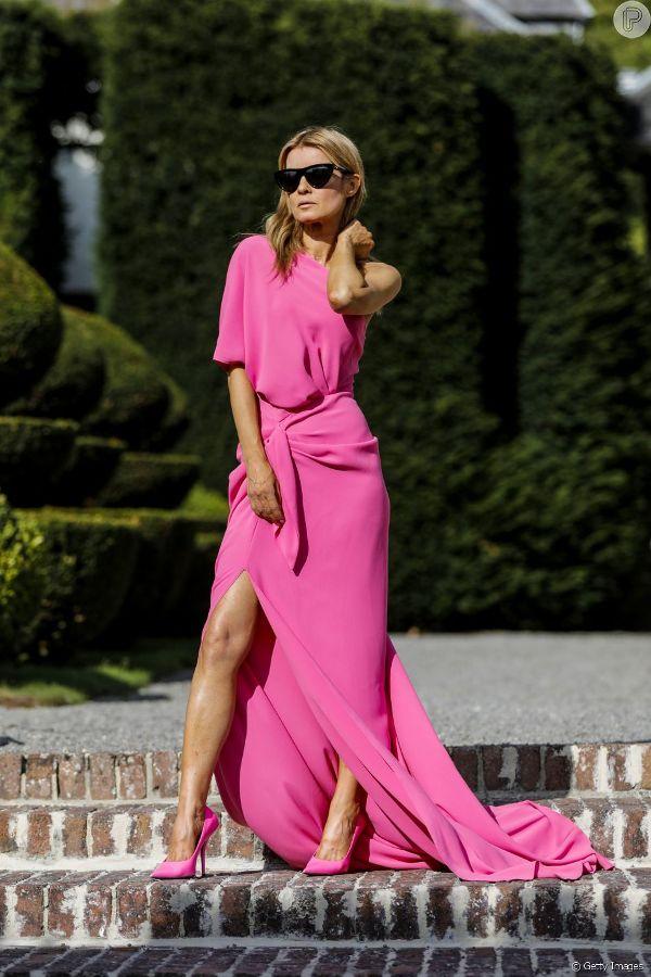 Aposte em peças nessa cor ROSA CHICLETE que você estará totalmente por dentro da cor escolhida para ser destaque do ano e arrasar