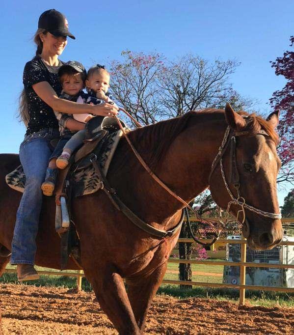 Na semana do Dia das Mães conversamos com algumas mamães do cavalo que contaram um pouco da história delas com os filhos recém-nascidos