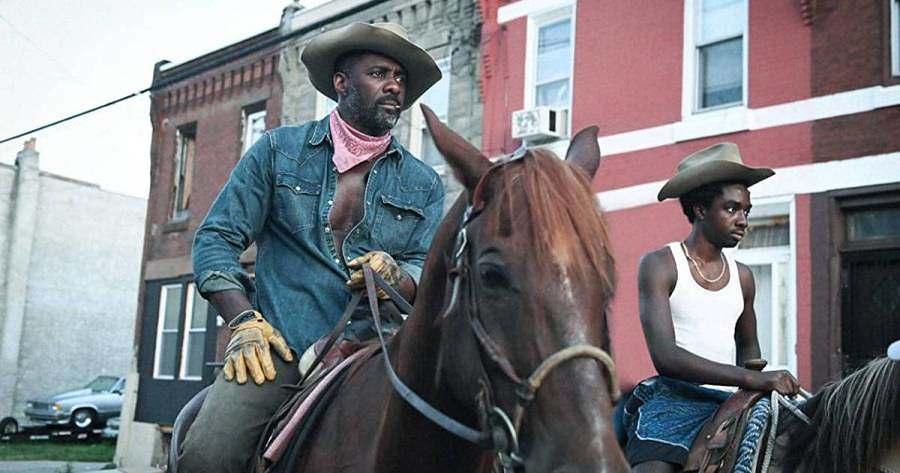 Alma de Cowboy: um adolescente rebelde vai morar com o pai durante o verão e descobre um lar em uma comunidade unida de cowboys negros