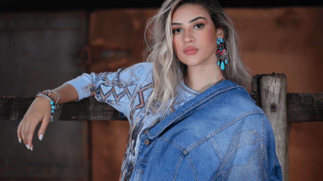 Confira 10 ideias de combinações com jaqueta jeans