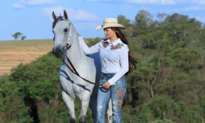 Peças Cutter Jeans são as queridinhas das mulheres para ensaios fotográficos country