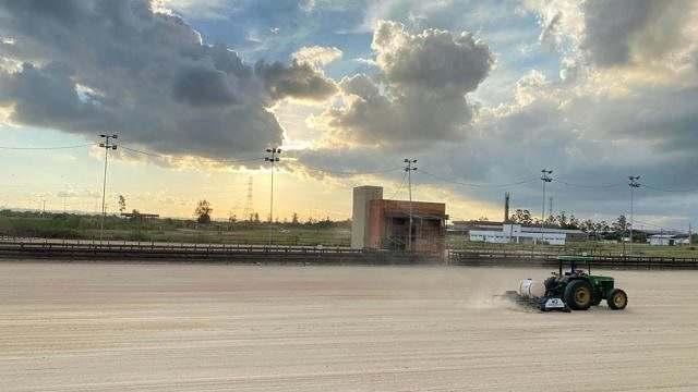Pista oficial do cavalo Crioulo em Esteio passa por revitalização